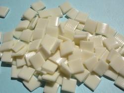 White EVA Hot Melt Glue flakes for bookbinding, spine glue