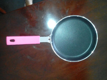 Hot sales 10cm non stick aluminum frying pans from China