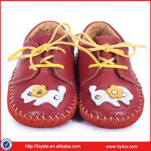 el último de la moda al por mayor de cuero suave zapatos de bebé