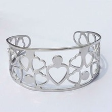 B30023 steel heart bracelet jewelry