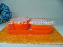 Praça de plástico rígido pratos
