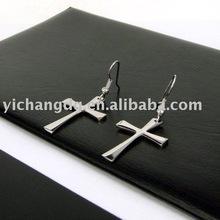 Cross dangler