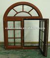 Diseño de ventana enrejada con madera y arco con revestimiento de aluminio