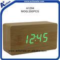 reloj digital de escritorio de madera y de alarma del reloj