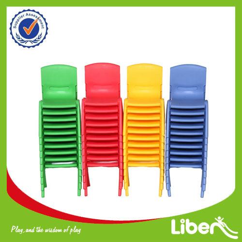 Preescolar de pl stico de mesa y una silla para los ni os for Mesas infantiles de plastico