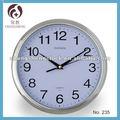 10 polegadas cartoon pequeno relógio de plástico relógio de parede de impressão do logotipo baixo preço