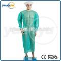 Desechables no tejidos ropa de aislamiento/bata quirúrgica desechable no tejida ropa de aislamiento/quirúrgica vestido de enfermera de la tapa y el vestido