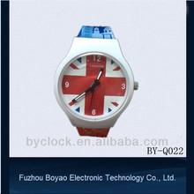 2015 cheap promotional plastic watch flag quartz watch