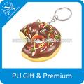 Novidade mini produto alimentar pu aperto donuts de chocolate chaveiro bolinho para vender