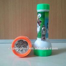 2012 new product 5 led plastic flashlgiht