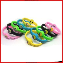 China Canton fair top popular thin silicone bracelets promotional silicone rubber wristband
