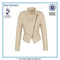 Mulher mangas compridas jaqueta de couro branco cobra