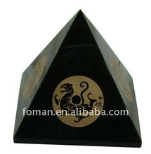 120x115mm gemstone pyramid with carving and gold color painting