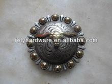 Round zinc alloy concho for belt