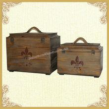 2015 vintage wooden trunk