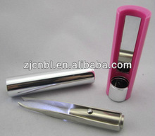 Led tweezer with mirror