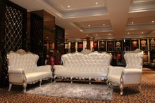 2015 White Leather Chesterfield Arm Sofa Sets in Public Area