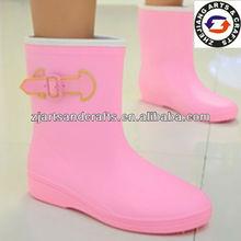 Half ladies pink rubber rain wellies
