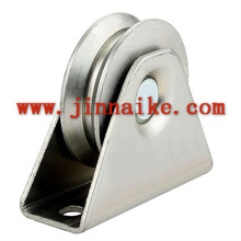 Y groove gate pulley