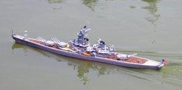 Rc Radio Controlled Uss Missouri Model Ship In Scale 1: 200