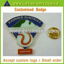 Umpire baseball pin badge