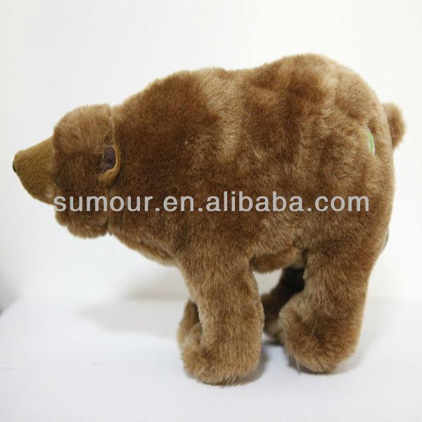 Realista de cuatro patas de pie de felpa oso grizzly, oso de felpa ...