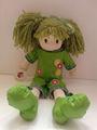el pelo largo grandes pies de peluche muñeca de tela
