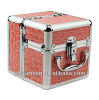 Beauty Mini Pink Crocodile Skin PVC Ladies Makeup case/ Jewelry Box, w/ Extendable Tray & Alu Frame, RZ-AMC060