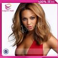 Caliente belleza de la virgen brasileña llena del cordón del pelo de la peluca