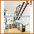 ferro reta escada com degraus de madeira para escadas interiores e escada de corrimão de vidro design