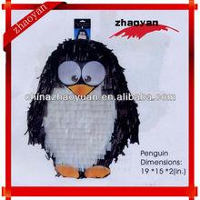 Diseño del pingüino piñata para el partido artículo