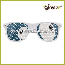 Logo Lens Wayfarer pinhole Sunglasses Cartoon Eye Design