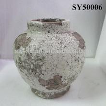 Antique design ceramic urn