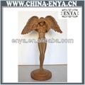 de metal figura de ángel