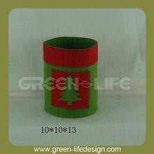 Felt red and green pen holder