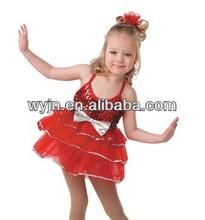 สีแดงที่ยอดเยี่ยมออกกำลังกายสำหรับเด็กสวมใส่ด้วยขนนกที่ด้านหน้า<fit for ballet wear>