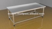Material handling table