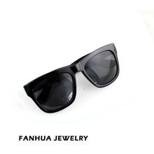 China Manufacturer New Design Black Sunglasses and Sunglass Case