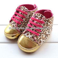 Nuevo diseño del bebé zapatos de estampado de leopardo del bebé primeros caminante de oro Littler zapatos de los niños caliente de la venta de los cabritos el envío libre
