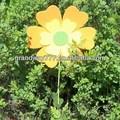 giardino decorazione fiori di feltro