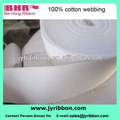 Blanco y delgado etiquetas de ropa accesorio con algodón de las correas