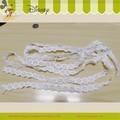 أزياء أنيقة بيضاء 4 صفوف الأربطة والتطريز الأزهار التصاميم البوليستر الكمبيوتر