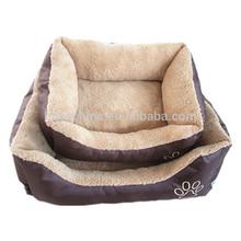 2015 New design cute paw print sleeper square dog pet product