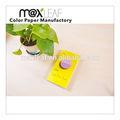 Cola- ligação notebook com folhas de cor