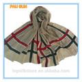 Invierno de la elegancia de patrón de la raya bufandas y chales