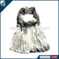 el más nuevo estilo de color gris pintada a mano para hacer punto de viscosa bufanda ombre