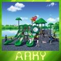 jogo de diversões escola parque ao ar livre na selva de brinquedo as crianças equipamentos de playground