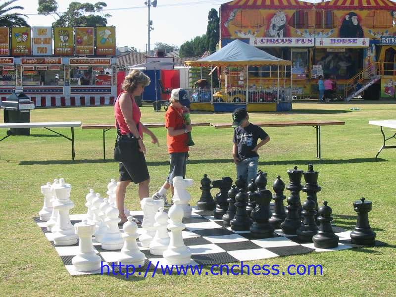 Juego de ajedrez gigante ajedrez identificaci n del for Ajedrez gigante jardin