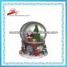Polyresin Christmas Snow globe with Christmas tree inside