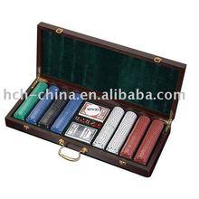 400 pc poker set In Dark Brown Wooden Case